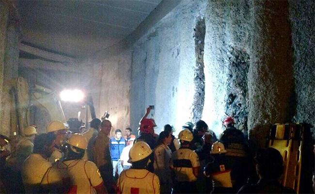 Cuatro trabajadores mueren por derrumbe en Huixquilucan
