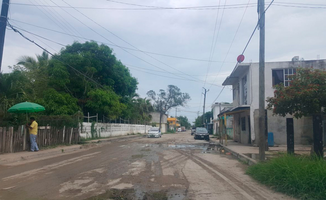 En el olvido, colonias aledañas a instalaciones de Pemex