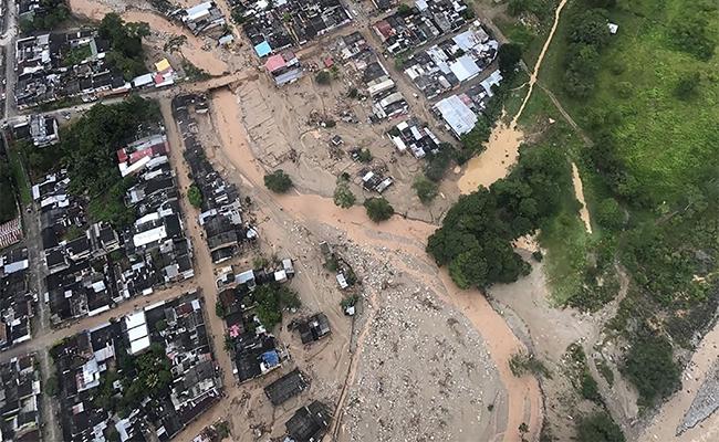 Santos declara emergencia económica tras deslaves en Mocoa