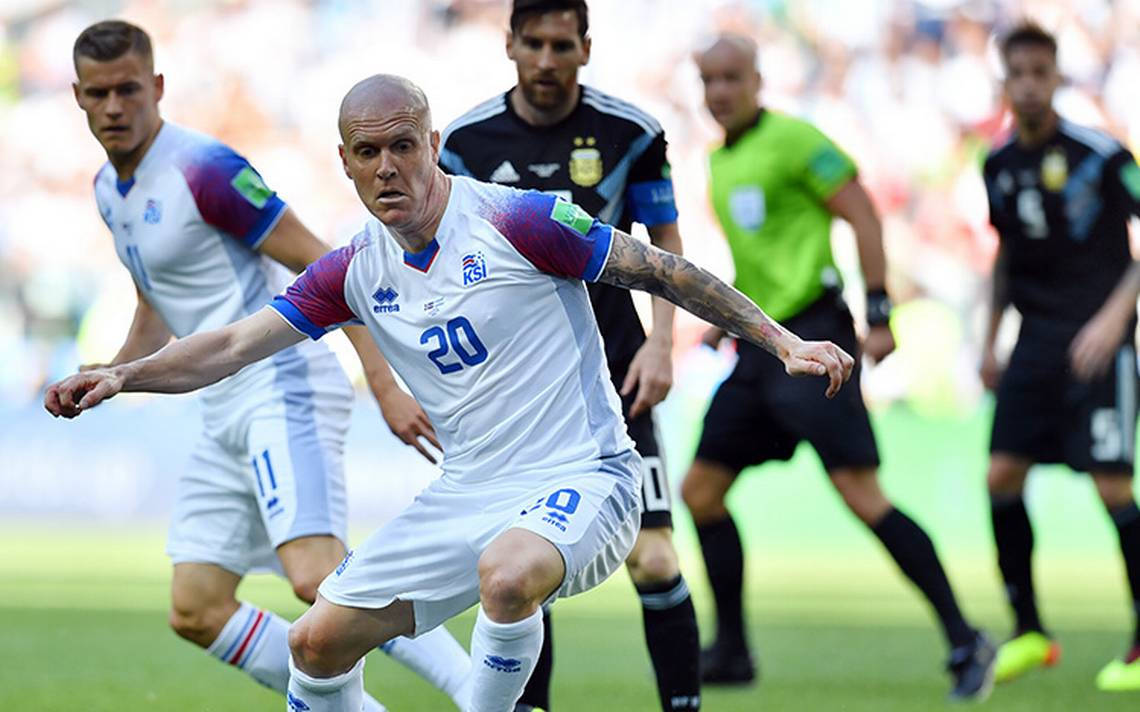 Argentina empata con Islandia 1-1 pero los vikingos celebran