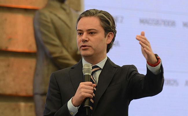 Aurelio Nuño entrega plazas docentes en la Ciudad de México
