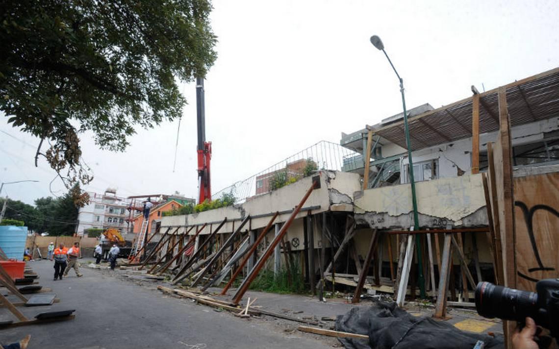 Inició remoción de escombros en colegio Rébsamen