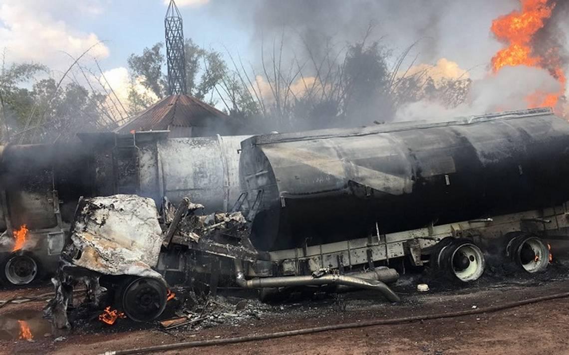 Se incendian tres pipas cargadas con combustible en Jalisco; no hubo heridos