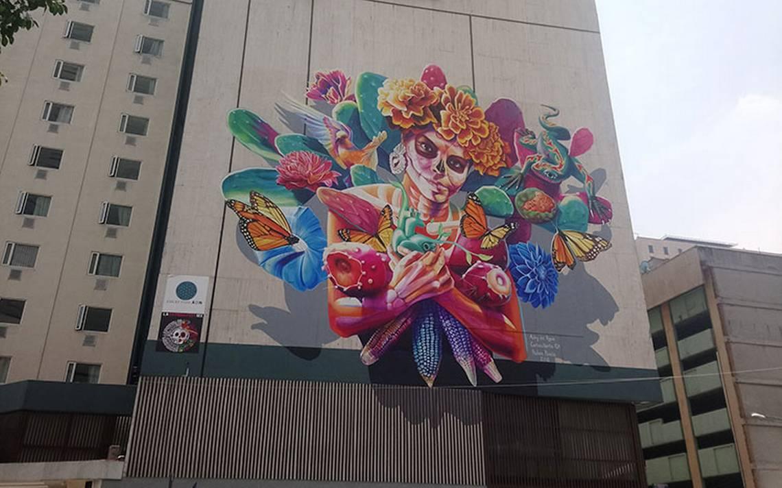 Mural de una Catrina plasmado en hotel en Ciudad de México