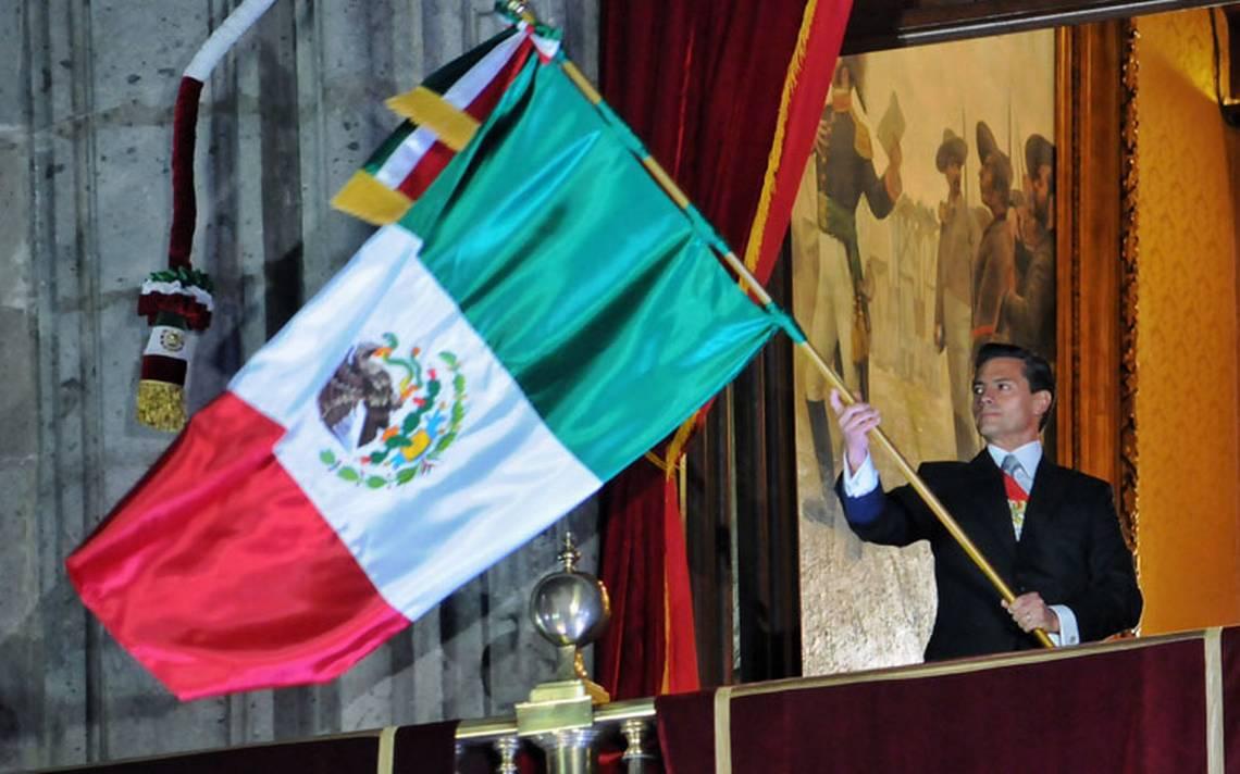 ¡Viva la solidaridad de los mexicanos!, exclamó Peña Nieto en el Grito de Independencia