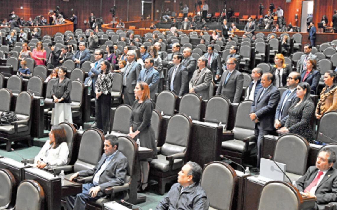 Legisladores se van y dejan en la congeladora decenas de expedientes