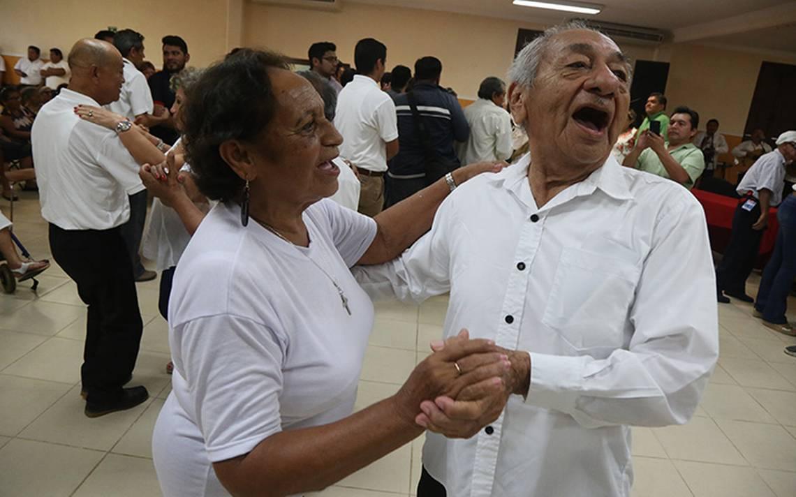 Esta será la pensión mensual para adultos mayores que anunció AMLO