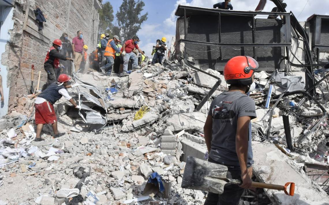 Tras sismo, cancillería de Perú pide ayuda para localizar a 11 peruanos en México
