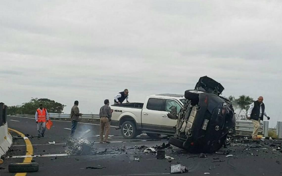 Mueren tres integrantes de una familia en accidente en la Veracruz-Poza Rica