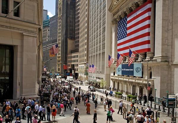 Bolsa de Valores de Nueva York inician operaciones al alza; inversores reciben datos positivos