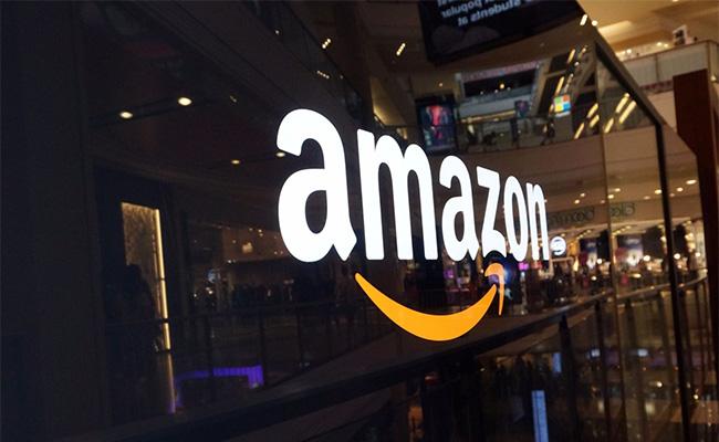 Trump enloquece contra Amazon