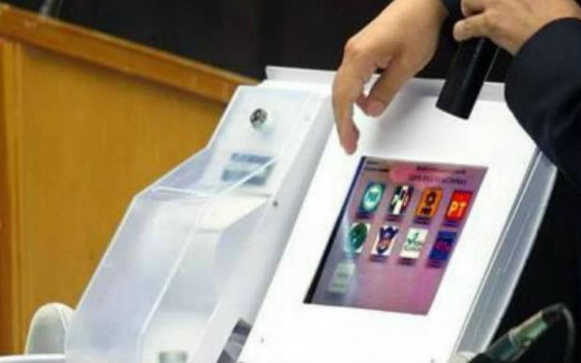 INE busca implementar voto electrónico desde el extranjero