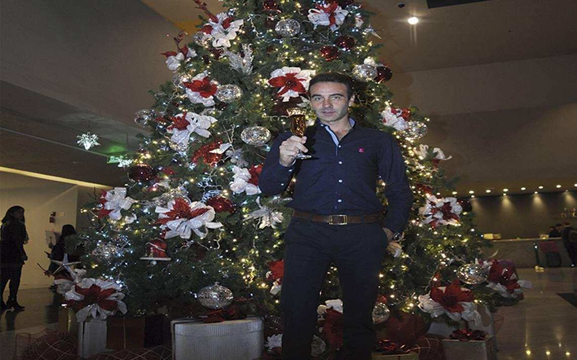 El torero Enrique Ponce le desea una feliz navidad a los lectores del ESTO