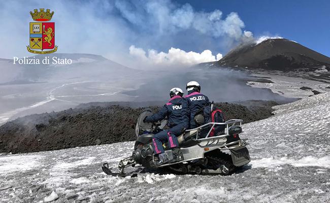 En Italia la erupción del volcán Etna deja 10 heridos