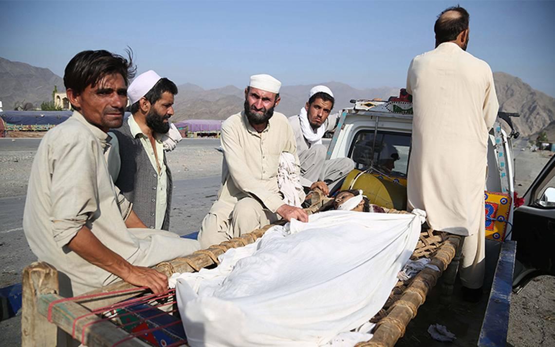 Tras ataque suicida en Afganistán, reportan 32 muertos y 128 heridos