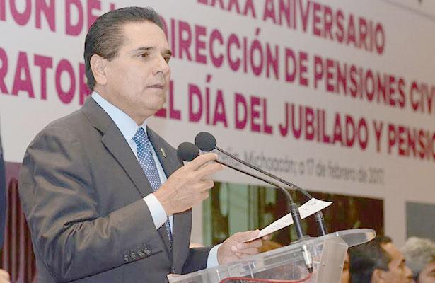 No quedarán impunes desvíos de recursos, advierte Silvano Aureoles