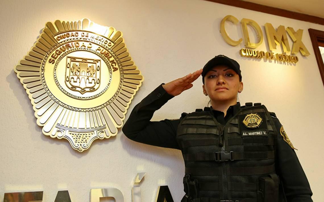 Ascienden a mujer policía: peleó con criminales y frustró secuestro en la CDMX