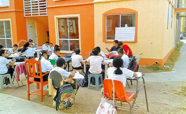 Niños de Tapachula recibirán clases en aulas improvisadas