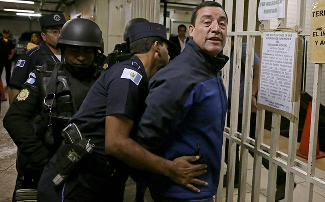 Detienen a exministro de Defensa de Guatemala por corrupción