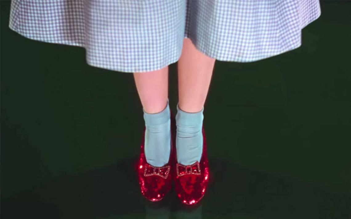 Recuperan 13 años después zapatillas de rubí usadas por Judy Garland en el Mago de Oz