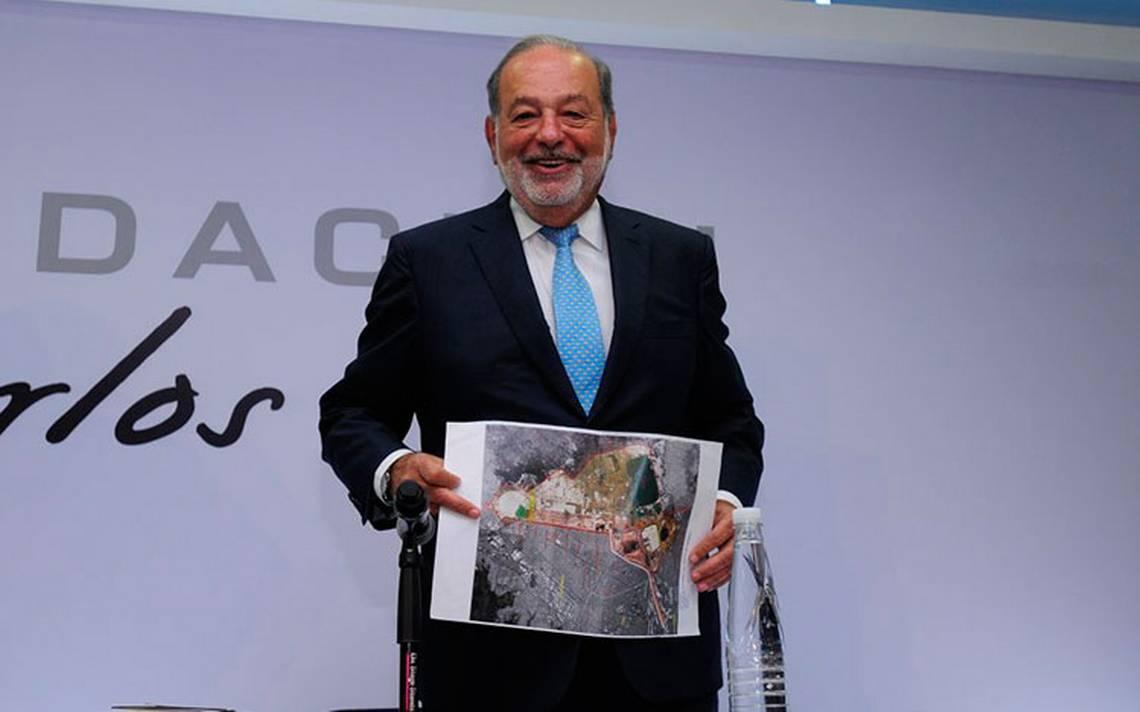 Carlos Slim defiende la construcción del NAIM