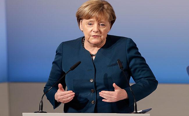 Angela Merkel prevé reunirse con Trump este mes en Washington, D.C.