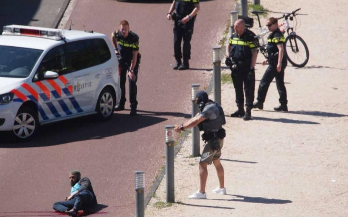 Hombre ataca con un cuchillo a tres personas en Holanda