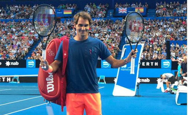 Roger Federer regresa a las canchas con triunfo sobre Dan Evans