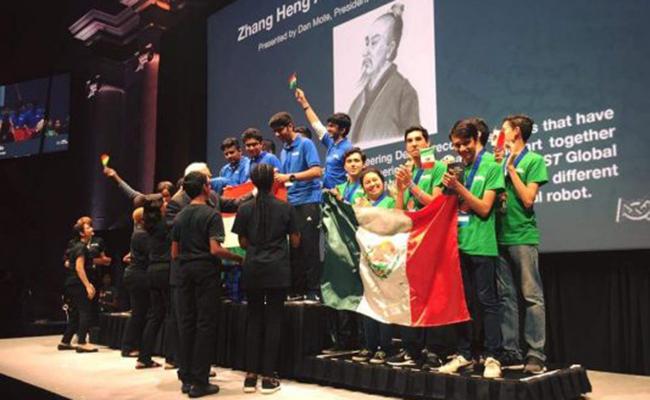 Jóvenes mexicanos ganan medalla de bronce en el mundial de robótica ??