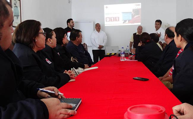 Cruz Roja Mexicana capacita a operadores del 911 en BCS
