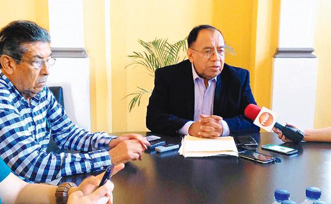 Diputados locales y federales abandonan a Orizaba: Tesorero