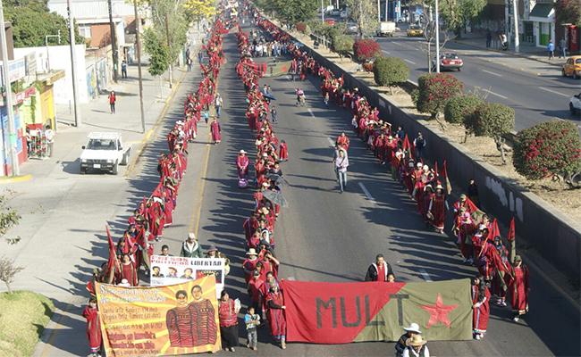 Marcha MULT en la capital oaxaqueña