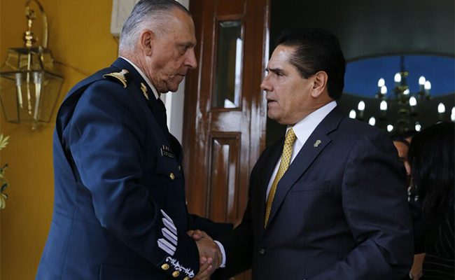 Dialogan Aureoles y Cienfuegos sobre Ley de Seguridad