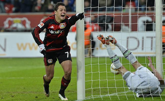 ¡Chicharito anda inspirado! anota doblete en la Bundesliga