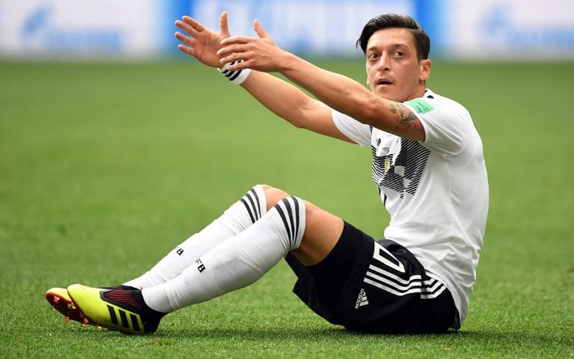 Mesut Özil se va de la Selección alemana por acoso e insultos racistas tras polémica foto