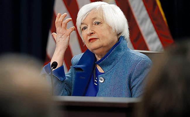 """Puede ser """"apropiado"""" subir tasas de interés durante marzo: Yellen"""