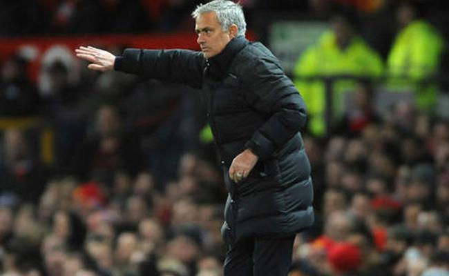 Mourinho dice que rechazó una gran oferta del fútbol chino