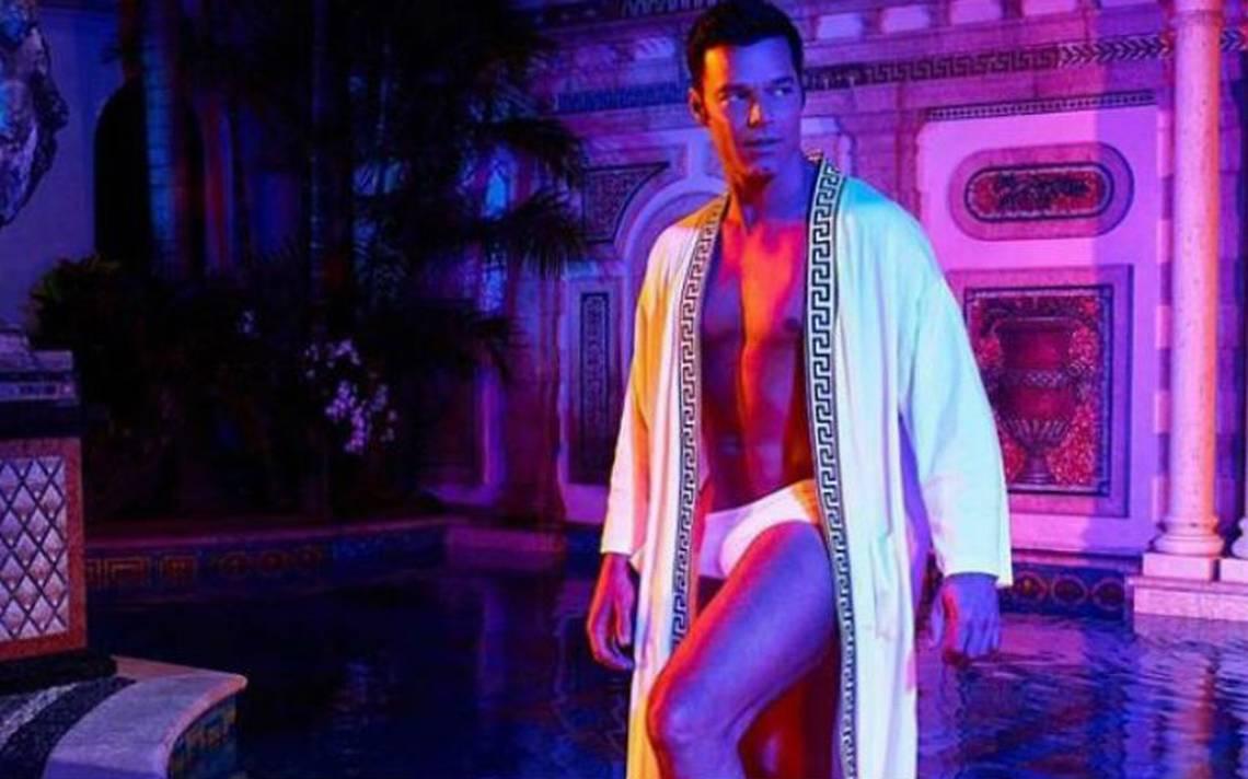 Le llegaron al precio. Ricky Martin se desnuda en serie sobre Gianni Versace