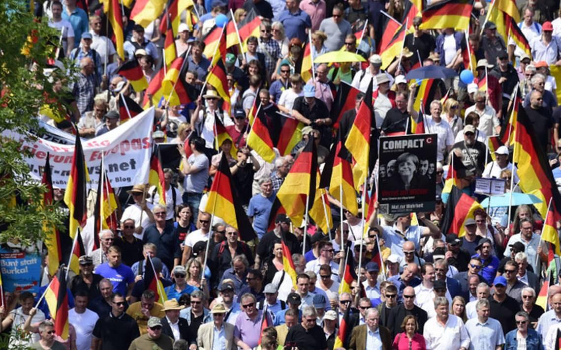 Marcha por las calles de Berlín , desafío de la extrema derecha en Alemania
