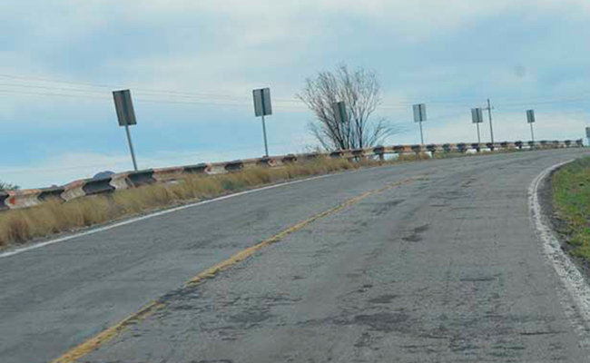 Transportistas y agricultores destrozan carreteras