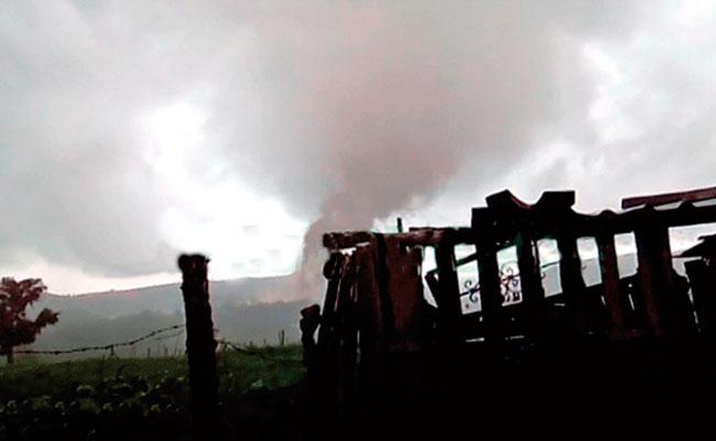 [Video] Tornado deja estragos en viviendas en Veracruz