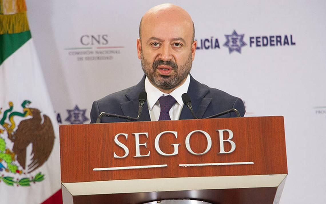 Renato Sales señala cómo un sicario con un arsenal evade la justicia mexicana
