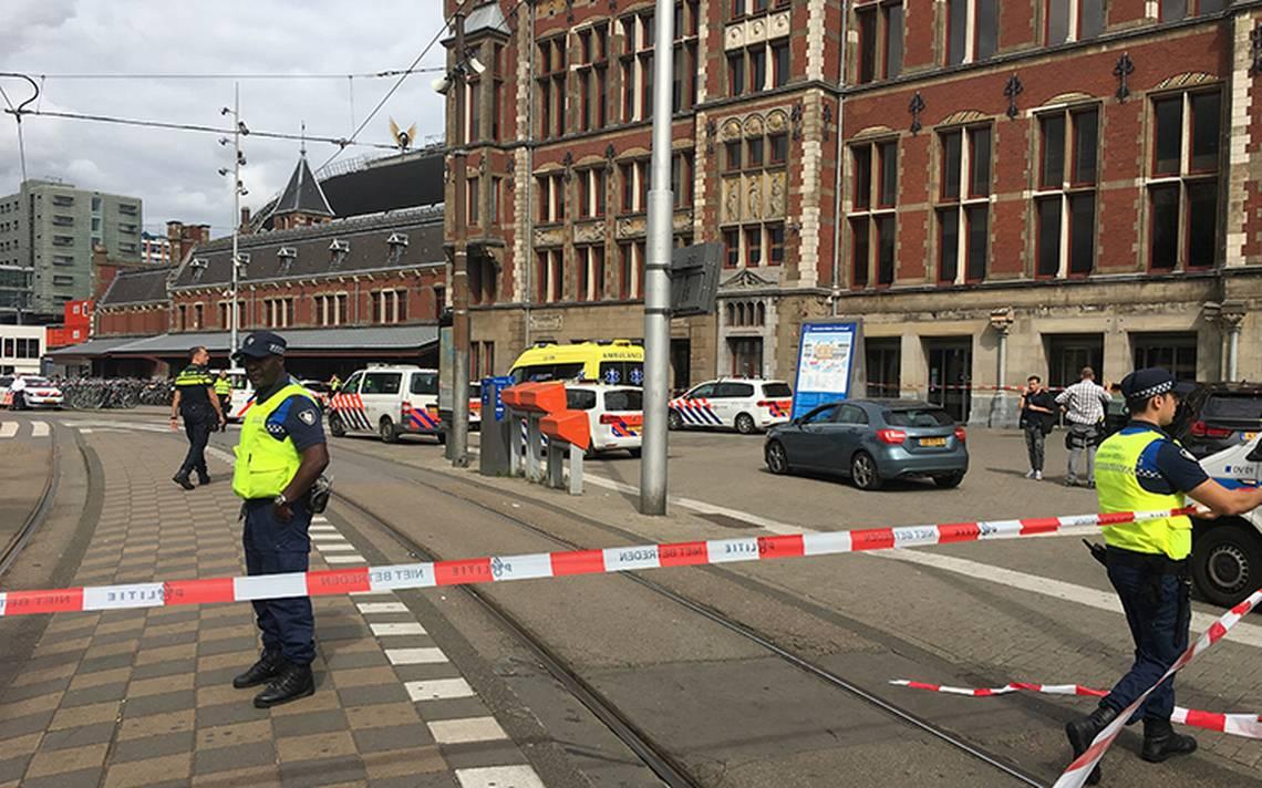 Dos heridos en ataque con cuchillo en estación de Ámsterdam