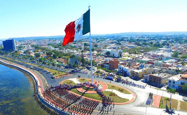 Preside Alejandro Moreno ceremonia del Día de la Bandera