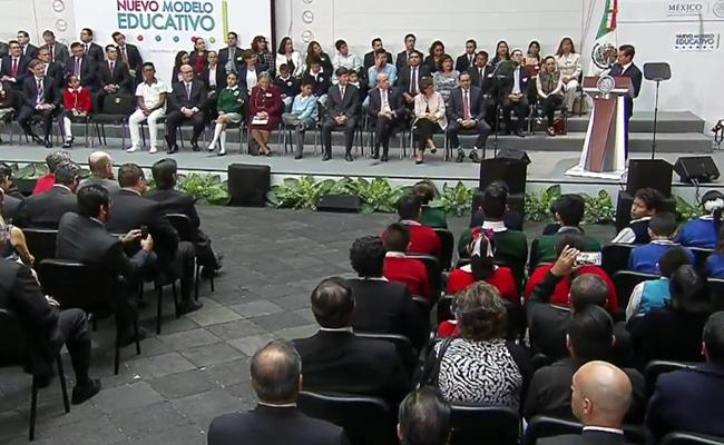 Transformación educativa es responsabilidad de todos, señala Peña Nieto