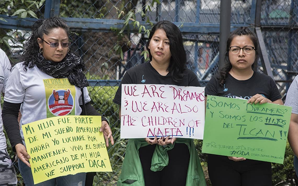 Escuelas mexicanas se alistan ante posible llegada de dreamers