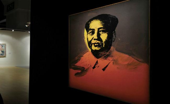 """""""Mao"""" de Andy Warhol se vende por 11 mdd en China"""