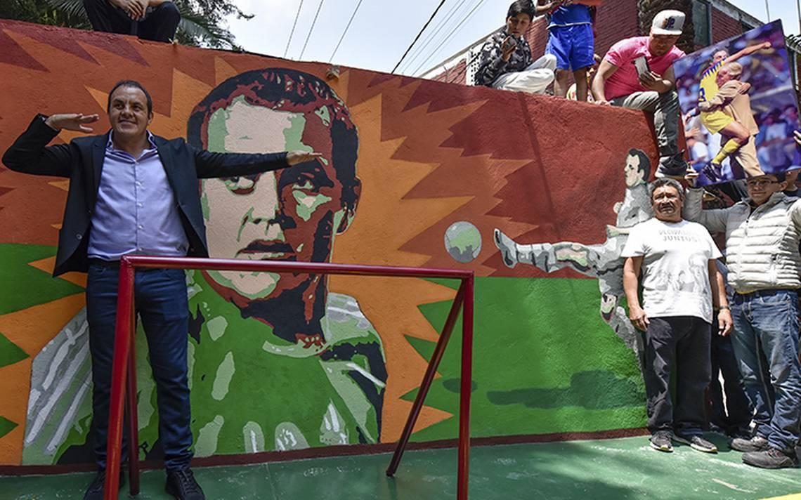 Cuauhtémoc Blanco regresa al barrio y queda inmortalizado en un mural