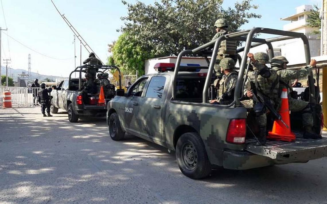 Controlan motín en penal de Acapulco