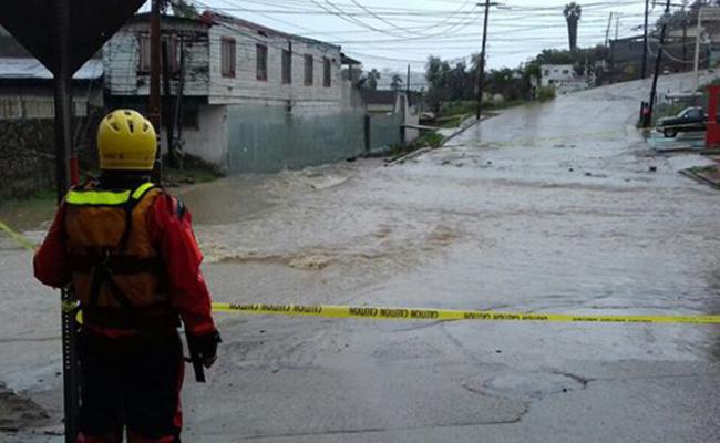 Realizan trabajos de limpieza en colonias afectadas por tormenta
